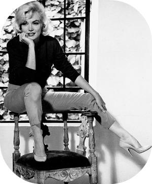 Florence Museums - the Ferragamo Museum - Marilyn Monroe wearing her famous Ferragamo stiletto heels