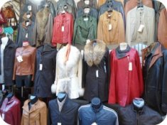 Florence Shopping - Leather Jackets - Stand at San Lorenzo