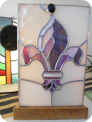 Florence Shopping - Niche Shops - Artigianni stained glass lamp with giglio