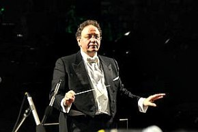 Conductor Giuseppe Lanzetta leads the New Year's Eve concert in Florence
