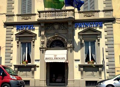 Hotel Principe along the Lungarno