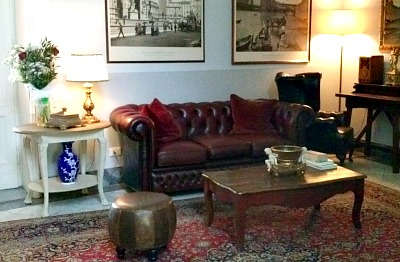 Lounge of Hotel Consigli along the Arno in Florence