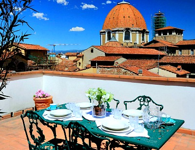 Terrace with view of Medici Chapel Duomo at My Extra Home Guest House
