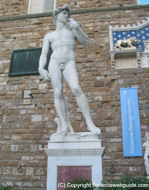 David replica in front of town hall