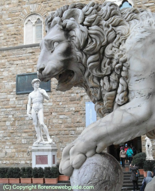 David, the lion and a Medici ball, symbols of Florence