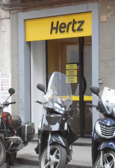 Hertz office in Florence via Borgo Ognissanti