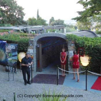 Entrance to Flo