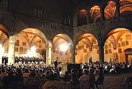 Open air evening concerts at the Bargello museum courtyard