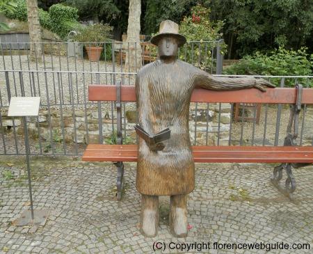 Folon sculpture at rose garden