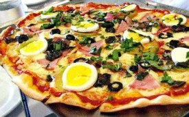 Florence Restaurants - Pizza Places - crispy Florentine capricciosa