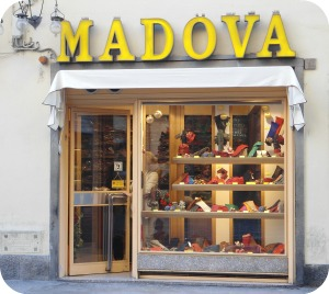 Florence Shopping - Belts and Gloves - Madova shop