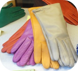 Florence Shopping - Belts and Gloves - assorted nappa leather gloves at Madova shop