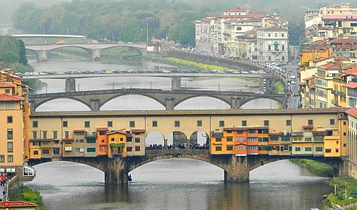 the Ponte Vecchio, a 'must see' on all Florence tours