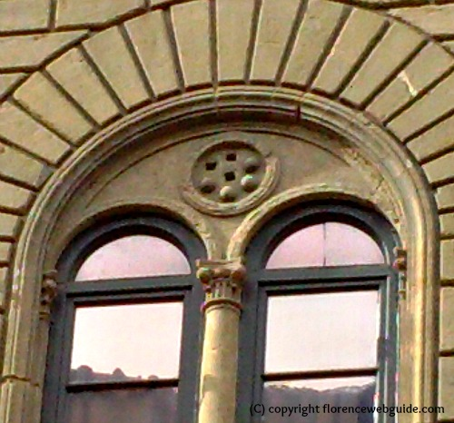 Medici crest above window