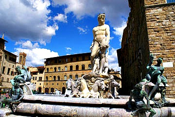 Piazza Signoria, a stop on all Florence tours
