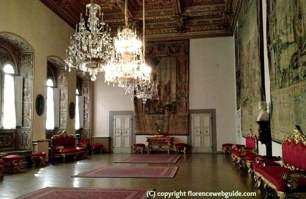 Salone Carlo VIII, the grand meeting room