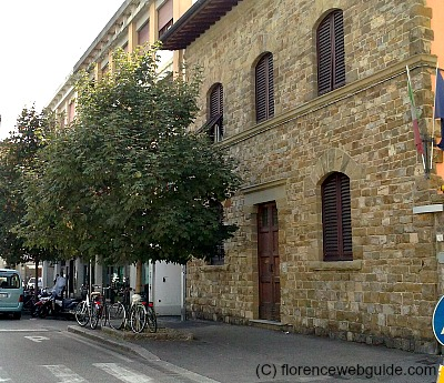 Stoney facade of Villa Lucrezia in the neighborhood of Piazza Puccini