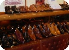 Florence Shopping - handmade leather shoes - Mannina men's shoes