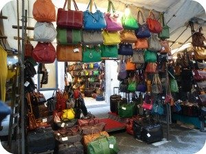 Florence Shopping - outdoor markets - San Lorenzo bag stand