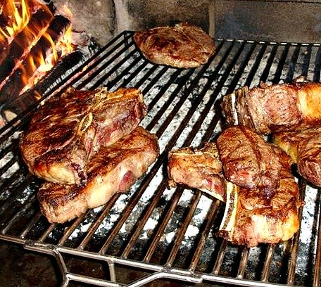 A bistecca fiorentina MUST be cooked on a spit