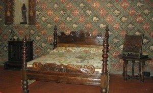 Florence Museums - Palazzo Davanzati bedroom