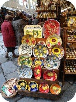 Florence Shopping - Outdoor Markets - San Lorenzo Ceramics Stand