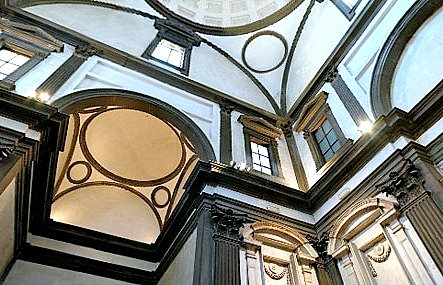 Upward movement created by Michelangelo's use of perspective on the New Sacristy at the Medici Chapel